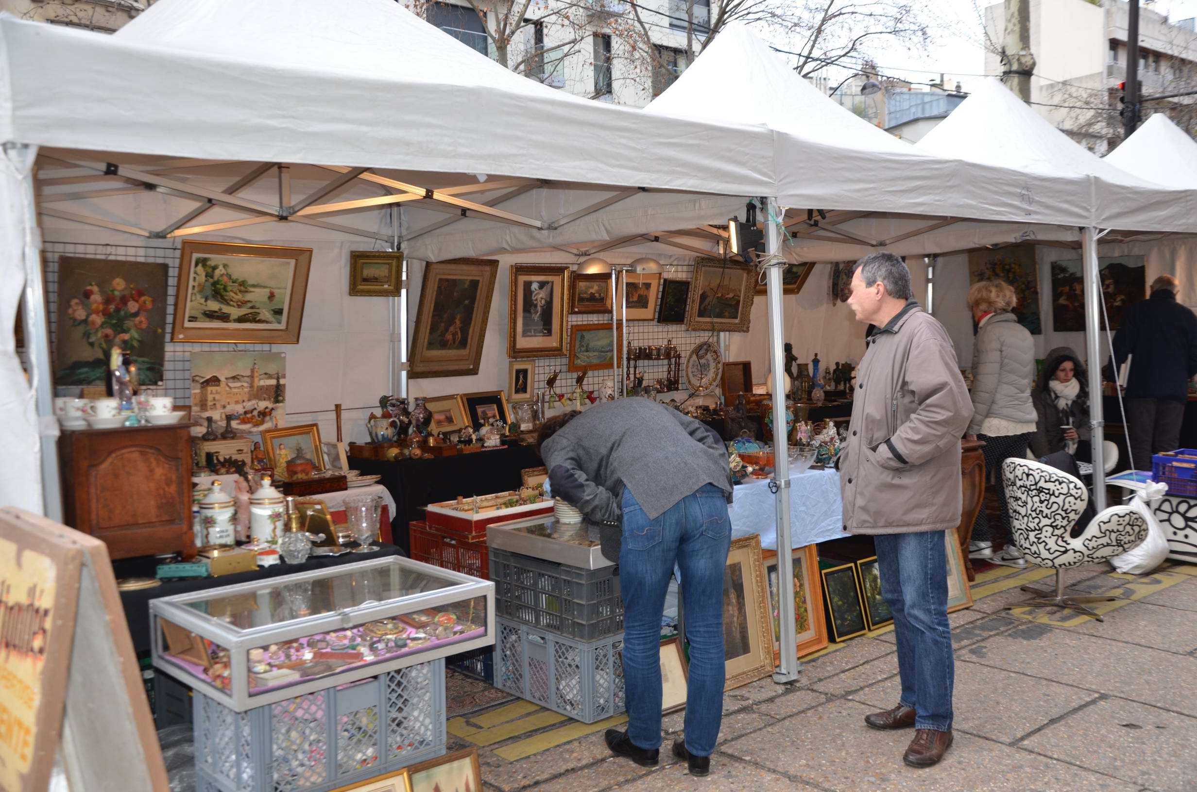 LeTheon Brocanteur Brocante rue clerc Paris 75